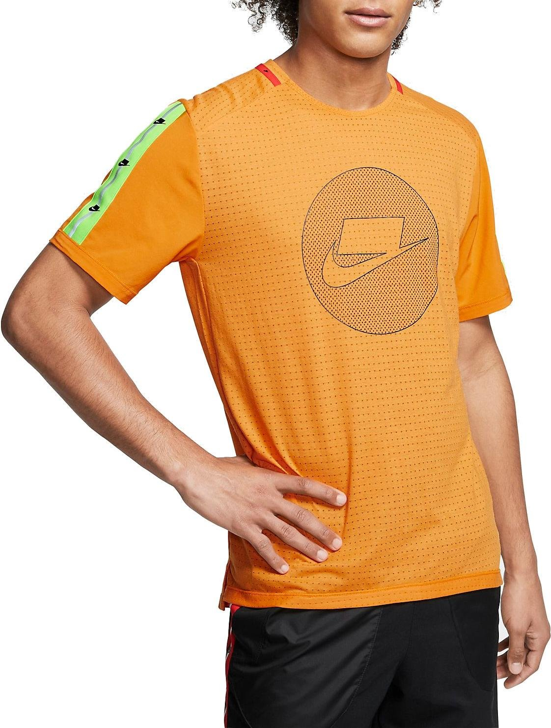 Tee-shirt Nike M NK WILD RUN TOP SS